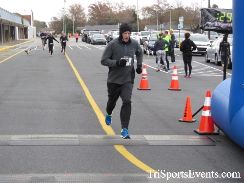 Turkey Trot 5K Run/Wak<br><br><br><br><a href='http://www.trisportsevents.com/pics/16_Turkey_Trot_5K_171.JPG' download='16_Turkey_Trot_5K_171.JPG'>Click here to download.</a><Br><a href='http://www.facebook.com/sharer.php?u=http:%2F%2Fwww.trisportsevents.com%2Fpics%2F16_Turkey_Trot_5K_171.JPG&t=Turkey Trot 5K Run/Wak' target='_blank'><img src='images/fb_share.png' width='100'></a>