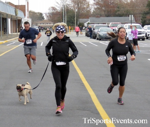 Turkey Trot 5K Run/Wak<br><br><br><br><a href='https://www.trisportsevents.com/pics/16_Turkey_Trot_5K_172.JPG' download='16_Turkey_Trot_5K_172.JPG'>Click here to download.</a><Br><a href='http://www.facebook.com/sharer.php?u=http:%2F%2Fwww.trisportsevents.com%2Fpics%2F16_Turkey_Trot_5K_172.JPG&t=Turkey Trot 5K Run/Wak' target='_blank'><img src='images/fb_share.png' width='100'></a>