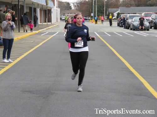 Turkey Trot 5K Run/Wak<br><br><br><br><a href='https://www.trisportsevents.com/pics/16_Turkey_Trot_5K_177.JPG' download='16_Turkey_Trot_5K_177.JPG'>Click here to download.</a><Br><a href='http://www.facebook.com/sharer.php?u=http:%2F%2Fwww.trisportsevents.com%2Fpics%2F16_Turkey_Trot_5K_177.JPG&t=Turkey Trot 5K Run/Wak' target='_blank'><img src='images/fb_share.png' width='100'></a>