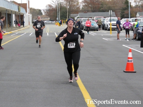 Turkey Trot 5K Run/Wak<br><br><br><br><a href='http://www.trisportsevents.com/pics/16_Turkey_Trot_5K_184.JPG' download='16_Turkey_Trot_5K_184.JPG'>Click here to download.</a><Br><a href='http://www.facebook.com/sharer.php?u=http:%2F%2Fwww.trisportsevents.com%2Fpics%2F16_Turkey_Trot_5K_184.JPG&t=Turkey Trot 5K Run/Wak' target='_blank'><img src='images/fb_share.png' width='100'></a>