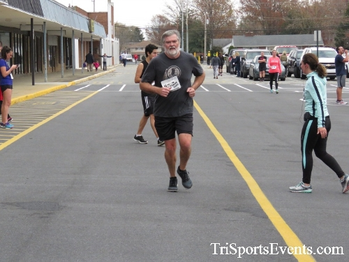 Turkey Trot 5K Run/Wak<br><br><br><br><a href='http://www.trisportsevents.com/pics/16_Turkey_Trot_5K_185.JPG' download='16_Turkey_Trot_5K_185.JPG'>Click here to download.</a><Br><a href='http://www.facebook.com/sharer.php?u=http:%2F%2Fwww.trisportsevents.com%2Fpics%2F16_Turkey_Trot_5K_185.JPG&t=Turkey Trot 5K Run/Wak' target='_blank'><img src='images/fb_share.png' width='100'></a>