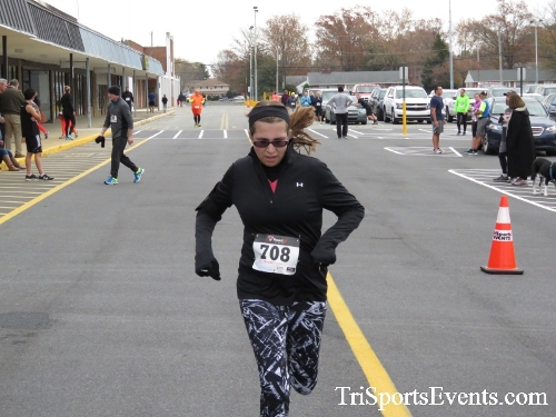 Turkey Trot 5K Run/Wak<br><br><br><br><a href='http://www.trisportsevents.com/pics/16_Turkey_Trot_5K_191.JPG' download='16_Turkey_Trot_5K_191.JPG'>Click here to download.</a><Br><a href='http://www.facebook.com/sharer.php?u=http:%2F%2Fwww.trisportsevents.com%2Fpics%2F16_Turkey_Trot_5K_191.JPG&t=Turkey Trot 5K Run/Wak' target='_blank'><img src='images/fb_share.png' width='100'></a>