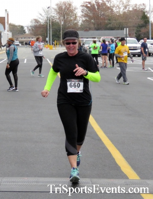 Turkey Trot 5K Run/Wak<br><br><br><br><a href='https://www.trisportsevents.com/pics/16_Turkey_Trot_5K_194.JPG' download='16_Turkey_Trot_5K_194.JPG'>Click here to download.</a><Br><a href='http://www.facebook.com/sharer.php?u=http:%2F%2Fwww.trisportsevents.com%2Fpics%2F16_Turkey_Trot_5K_194.JPG&t=Turkey Trot 5K Run/Wak' target='_blank'><img src='images/fb_share.png' width='100'></a>