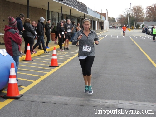 Turkey Trot 5K Run/Wak<br><br><br><br><a href='http://www.trisportsevents.com/pics/16_Turkey_Trot_5K_195.JPG' download='16_Turkey_Trot_5K_195.JPG'>Click here to download.</a><Br><a href='http://www.facebook.com/sharer.php?u=http:%2F%2Fwww.trisportsevents.com%2Fpics%2F16_Turkey_Trot_5K_195.JPG&t=Turkey Trot 5K Run/Wak' target='_blank'><img src='images/fb_share.png' width='100'></a>