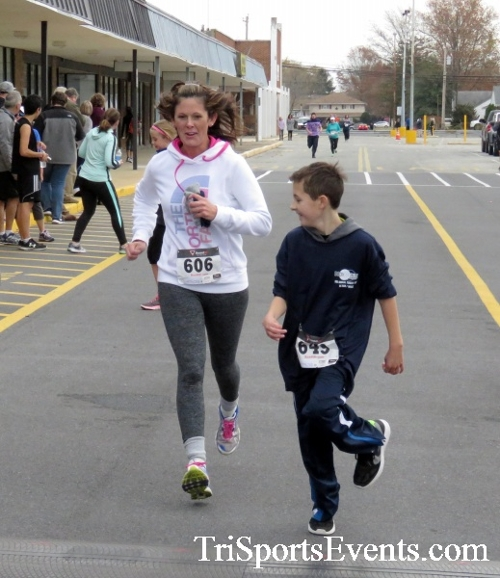 Turkey Trot 5K Run/Wak<br><br><br><br><a href='http://www.trisportsevents.com/pics/16_Turkey_Trot_5K_200.JPG' download='16_Turkey_Trot_5K_200.JPG'>Click here to download.</a><Br><a href='http://www.facebook.com/sharer.php?u=http:%2F%2Fwww.trisportsevents.com%2Fpics%2F16_Turkey_Trot_5K_200.JPG&t=Turkey Trot 5K Run/Wak' target='_blank'><img src='images/fb_share.png' width='100'></a>