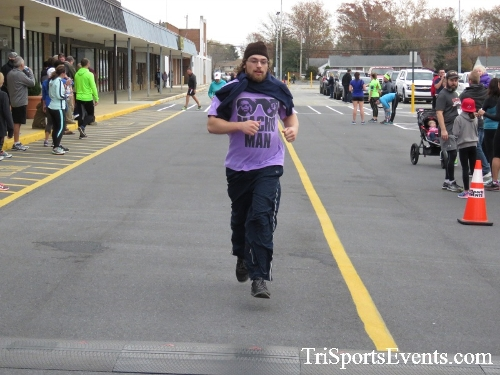 Turkey Trot 5K Run/Wak<br><br><br><br><a href='https://www.trisportsevents.com/pics/16_Turkey_Trot_5K_201.JPG' download='16_Turkey_Trot_5K_201.JPG'>Click here to download.</a><Br><a href='http://www.facebook.com/sharer.php?u=http:%2F%2Fwww.trisportsevents.com%2Fpics%2F16_Turkey_Trot_5K_201.JPG&t=Turkey Trot 5K Run/Wak' target='_blank'><img src='images/fb_share.png' width='100'></a>