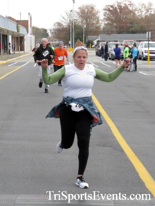 Turkey Trot 5K Run/Wak<br><br><br><br><a href='https://www.trisportsevents.com/pics/16_Turkey_Trot_5K_205.JPG' download='16_Turkey_Trot_5K_205.JPG'>Click here to download.</a><Br><a href='http://www.facebook.com/sharer.php?u=http:%2F%2Fwww.trisportsevents.com%2Fpics%2F16_Turkey_Trot_5K_205.JPG&t=Turkey Trot 5K Run/Wak' target='_blank'><img src='images/fb_share.png' width='100'></a>