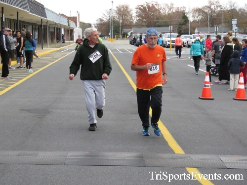 Turkey Trot 5K Run/Wak<br><br><br><br><a href='https://www.trisportsevents.com/pics/16_Turkey_Trot_5K_206.JPG' download='16_Turkey_Trot_5K_206.JPG'>Click here to download.</a><Br><a href='http://www.facebook.com/sharer.php?u=http:%2F%2Fwww.trisportsevents.com%2Fpics%2F16_Turkey_Trot_5K_206.JPG&t=Turkey Trot 5K Run/Wak' target='_blank'><img src='images/fb_share.png' width='100'></a>