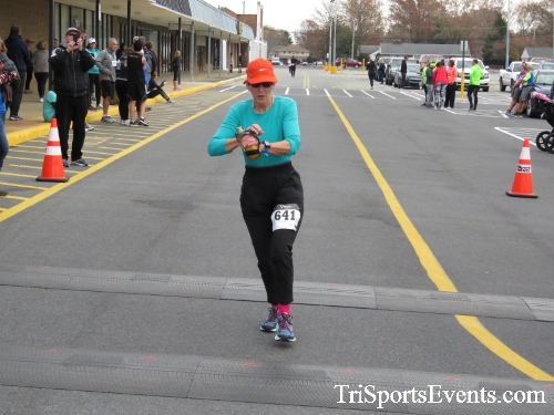 Turkey Trot 5K Run/Wak<br><br><br><br><a href='https://www.trisportsevents.com/pics/16_Turkey_Trot_5K_209.JPG' download='16_Turkey_Trot_5K_209.JPG'>Click here to download.</a><Br><a href='http://www.facebook.com/sharer.php?u=http:%2F%2Fwww.trisportsevents.com%2Fpics%2F16_Turkey_Trot_5K_209.JPG&t=Turkey Trot 5K Run/Wak' target='_blank'><img src='images/fb_share.png' width='100'></a>