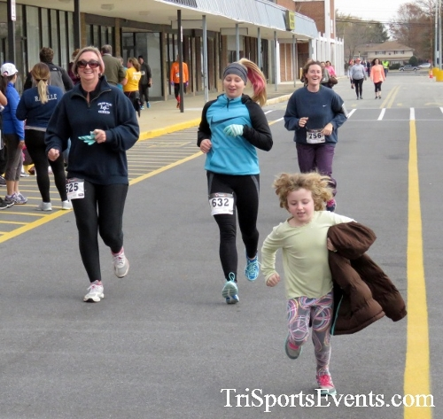 Turkey Trot 5K Run/Wak<br><br><br><br><a href='http://www.trisportsevents.com/pics/16_Turkey_Trot_5K_247.JPG' download='16_Turkey_Trot_5K_247.JPG'>Click here to download.</a><Br><a href='http://www.facebook.com/sharer.php?u=http:%2F%2Fwww.trisportsevents.com%2Fpics%2F16_Turkey_Trot_5K_247.JPG&t=Turkey Trot 5K Run/Wak' target='_blank'><img src='images/fb_share.png' width='100'></a>