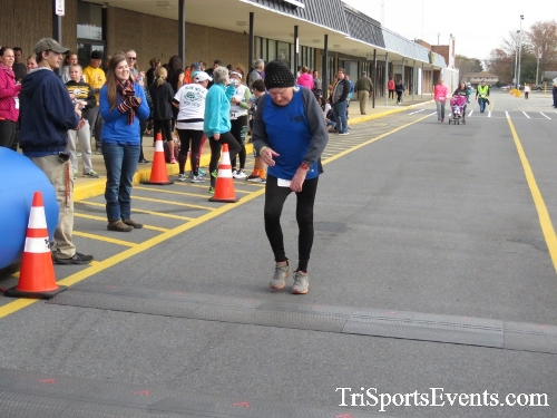 Turkey Trot 5K Run/Wak<br><br><br><br><a href='http://www.trisportsevents.com/pics/16_Turkey_Trot_5K_252.JPG' download='16_Turkey_Trot_5K_252.JPG'>Click here to download.</a><Br><a href='http://www.facebook.com/sharer.php?u=http:%2F%2Fwww.trisportsevents.com%2Fpics%2F16_Turkey_Trot_5K_252.JPG&t=Turkey Trot 5K Run/Wak' target='_blank'><img src='images/fb_share.png' width='100'></a>