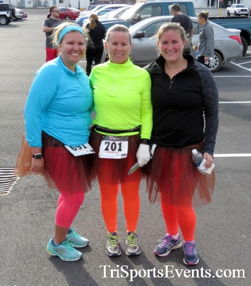 Turkey Trot 5K Run/Wak<br><br><br><br><a href='https://www.trisportsevents.com/pics/16_Turkey_Trot_5K_256.JPG' download='16_Turkey_Trot_5K_256.JPG'>Click here to download.</a><Br><a href='http://www.facebook.com/sharer.php?u=http:%2F%2Fwww.trisportsevents.com%2Fpics%2F16_Turkey_Trot_5K_256.JPG&t=Turkey Trot 5K Run/Wak' target='_blank'><img src='images/fb_share.png' width='100'></a>