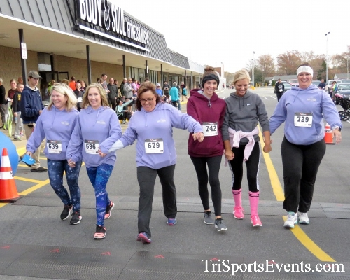 Turkey Trot 5K Run/Wak<br><br><br><br><a href='http://www.trisportsevents.com/pics/16_Turkey_Trot_5K_259.JPG' download='16_Turkey_Trot_5K_259.JPG'>Click here to download.</a><Br><a href='http://www.facebook.com/sharer.php?u=http:%2F%2Fwww.trisportsevents.com%2Fpics%2F16_Turkey_Trot_5K_259.JPG&t=Turkey Trot 5K Run/Wak' target='_blank'><img src='images/fb_share.png' width='100'></a>