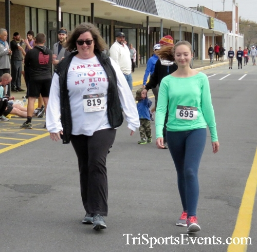 Turkey Trot 5K Run/Wak<br><br><br><br><a href='http://www.trisportsevents.com/pics/16_Turkey_Trot_5K_267.JPG' download='16_Turkey_Trot_5K_267.JPG'>Click here to download.</a><Br><a href='http://www.facebook.com/sharer.php?u=http:%2F%2Fwww.trisportsevents.com%2Fpics%2F16_Turkey_Trot_5K_267.JPG&t=Turkey Trot 5K Run/Wak' target='_blank'><img src='images/fb_share.png' width='100'></a>