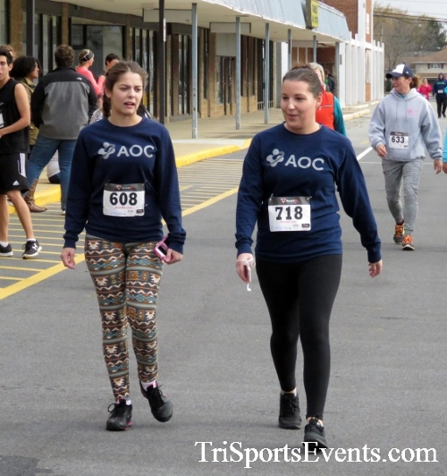 Turkey Trot 5K Run/Wak<br><br><br><br><a href='https://www.trisportsevents.com/pics/16_Turkey_Trot_5K_269.JPG' download='16_Turkey_Trot_5K_269.JPG'>Click here to download.</a><Br><a href='http://www.facebook.com/sharer.php?u=http:%2F%2Fwww.trisportsevents.com%2Fpics%2F16_Turkey_Trot_5K_269.JPG&t=Turkey Trot 5K Run/Wak' target='_blank'><img src='images/fb_share.png' width='100'></a>