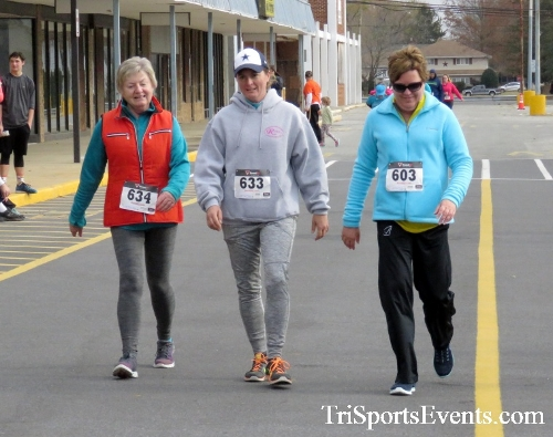 Turkey Trot 5K Run/Wak<br><br><br><br><a href='http://www.trisportsevents.com/pics/16_Turkey_Trot_5K_270.JPG' download='16_Turkey_Trot_5K_270.JPG'>Click here to download.</a><Br><a href='http://www.facebook.com/sharer.php?u=http:%2F%2Fwww.trisportsevents.com%2Fpics%2F16_Turkey_Trot_5K_270.JPG&t=Turkey Trot 5K Run/Wak' target='_blank'><img src='images/fb_share.png' width='100'></a>