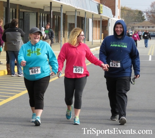 Turkey Trot 5K Run/Wak<br><br><br><br><a href='http://www.trisportsevents.com/pics/16_Turkey_Trot_5K_273.JPG' download='16_Turkey_Trot_5K_273.JPG'>Click here to download.</a><Br><a href='http://www.facebook.com/sharer.php?u=http:%2F%2Fwww.trisportsevents.com%2Fpics%2F16_Turkey_Trot_5K_273.JPG&t=Turkey Trot 5K Run/Wak' target='_blank'><img src='images/fb_share.png' width='100'></a>