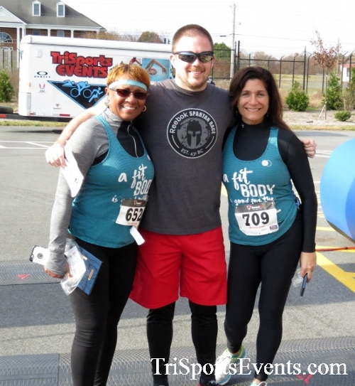 Turkey Trot 5K Run/Wak<br><br><br><br><a href='http://www.trisportsevents.com/pics/16_Turkey_Trot_5K_285.JPG' download='16_Turkey_Trot_5K_285.JPG'>Click here to download.</a><Br><a href='http://www.facebook.com/sharer.php?u=http:%2F%2Fwww.trisportsevents.com%2Fpics%2F16_Turkey_Trot_5K_285.JPG&t=Turkey Trot 5K Run/Wak' target='_blank'><img src='images/fb_share.png' width='100'></a>