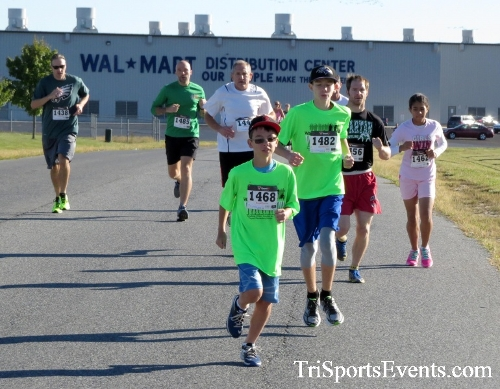 Walmart Warrior 5K Run/Walk<br><br><br><br><a href='https://www.trisportsevents.com/pics/16_Walmart_Warrior_5K_015.JPG' download='16_Walmart_Warrior_5K_015.JPG'>Click here to download.</a><Br><a href='http://www.facebook.com/sharer.php?u=http:%2F%2Fwww.trisportsevents.com%2Fpics%2F16_Walmart_Warrior_5K_015.JPG&t=Walmart Warrior 5K Run/Walk' target='_blank'><img src='images/fb_share.png' width='100'></a>