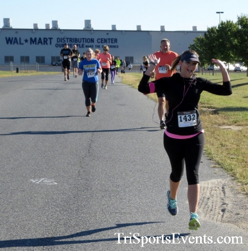Walmart Warrior 5K Run/Walk<br><br><br><br><a href='http://www.trisportsevents.com/pics/16_Walmart_Warrior_5K_023.JPG' download='16_Walmart_Warrior_5K_023.JPG'>Click here to download.</a><Br><a href='http://www.facebook.com/sharer.php?u=http:%2F%2Fwww.trisportsevents.com%2Fpics%2F16_Walmart_Warrior_5K_023.JPG&t=Walmart Warrior 5K Run/Walk' target='_blank'><img src='images/fb_share.png' width='100'></a>