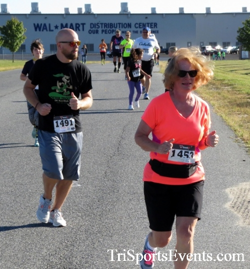 Walmart Warrior 5K Run/Walk<br><br><br><br><a href='https://www.trisportsevents.com/pics/16_Walmart_Warrior_5K_027.JPG' download='16_Walmart_Warrior_5K_027.JPG'>Click here to download.</a><Br><a href='http://www.facebook.com/sharer.php?u=http:%2F%2Fwww.trisportsevents.com%2Fpics%2F16_Walmart_Warrior_5K_027.JPG&t=Walmart Warrior 5K Run/Walk' target='_blank'><img src='images/fb_share.png' width='100'></a>