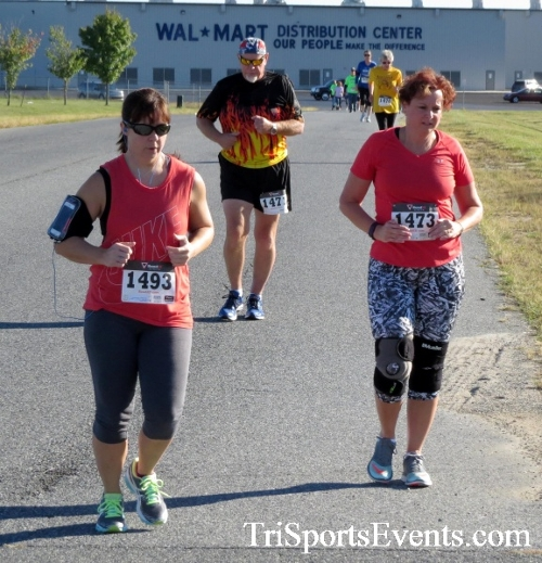 Walmart Warrior 5K Run/Walk<br><br><br><br><a href='http://www.trisportsevents.com/pics/16_Walmart_Warrior_5K_041.JPG' download='16_Walmart_Warrior_5K_041.JPG'>Click here to download.</a><Br><a href='http://www.facebook.com/sharer.php?u=http:%2F%2Fwww.trisportsevents.com%2Fpics%2F16_Walmart_Warrior_5K_041.JPG&t=Walmart Warrior 5K Run/Walk' target='_blank'><img src='images/fb_share.png' width='100'></a>