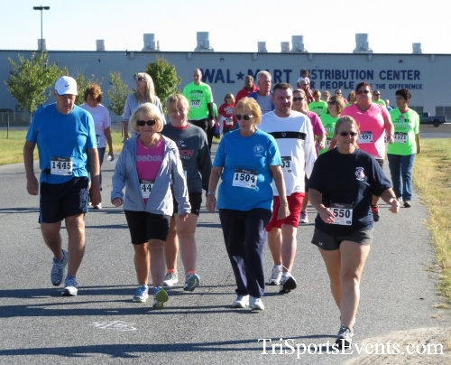 Walmart Warrior 5K Run/Walk<br><br><br><br><a href='http://www.trisportsevents.com/pics/16_Walmart_Warrior_5K_049.JPG' download='16_Walmart_Warrior_5K_049.JPG'>Click here to download.</a><Br><a href='http://www.facebook.com/sharer.php?u=http:%2F%2Fwww.trisportsevents.com%2Fpics%2F16_Walmart_Warrior_5K_049.JPG&t=Walmart Warrior 5K Run/Walk' target='_blank'><img src='images/fb_share.png' width='100'></a>