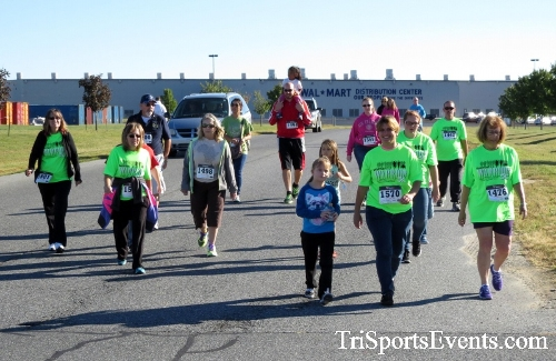Walmart Warrior 5K Run/Walk<br><br><br><br><a href='https://www.trisportsevents.com/pics/16_Walmart_Warrior_5K_053.JPG' download='16_Walmart_Warrior_5K_053.JPG'>Click here to download.</a><Br><a href='http://www.facebook.com/sharer.php?u=http:%2F%2Fwww.trisportsevents.com%2Fpics%2F16_Walmart_Warrior_5K_053.JPG&t=Walmart Warrior 5K Run/Walk' target='_blank'><img src='images/fb_share.png' width='100'></a>