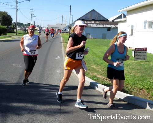 Pirates & Wenches 5K Run/Walk - Rock Hall, MD<br><br><br><br><a href='http://www.trisportsevents.com/pics/16__Pirates_&_Wenches_5K_029.JPG' download='16__Pirates_&_Wenches_5K_029.JPG'>Click here to download.</a><Br><a href='http://www.facebook.com/sharer.php?u=http:%2F%2Fwww.trisportsevents.com%2Fpics%2F16__Pirates_&_Wenches_5K_029.JPG&t=Pirates & Wenches 5K Run/Walk - Rock Hall, MD' target='_blank'><img src='images/fb_share.png' width='100'></a>
