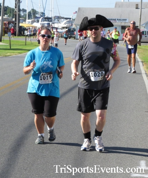 Pirates & Wenches 5K Run/Walk - Rock Hall, MD<br><br><br><br><a href='http://www.trisportsevents.com/pics/16__Pirates_&_Wenches_5K_042.JPG' download='16__Pirates_&_Wenches_5K_042.JPG'>Click here to download.</a><Br><a href='http://www.facebook.com/sharer.php?u=http:%2F%2Fwww.trisportsevents.com%2Fpics%2F16__Pirates_&_Wenches_5K_042.JPG&t=Pirates & Wenches 5K Run/Walk - Rock Hall, MD' target='_blank'><img src='images/fb_share.png' width='100'></a>