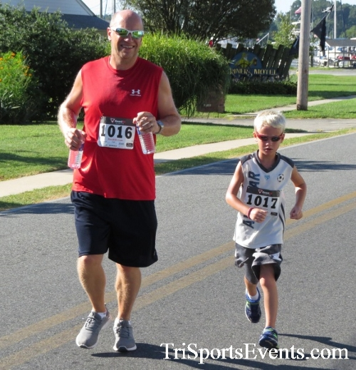 Pirates & Wenches 5K Run/Walk - Rock Hall, MD<br><br><br><br><a href='http://www.trisportsevents.com/pics/16__Pirates_&_Wenches_5K_045.JPG' download='16__Pirates_&_Wenches_5K_045.JPG'>Click here to download.</a><Br><a href='http://www.facebook.com/sharer.php?u=http:%2F%2Fwww.trisportsevents.com%2Fpics%2F16__Pirates_&_Wenches_5K_045.JPG&t=Pirates & Wenches 5K Run/Walk - Rock Hall, MD' target='_blank'><img src='images/fb_share.png' width='100'></a>