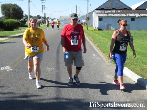 Pirates & Wenches 5K Run/Walk - Rock Hall, MD<br><br><br><br><a href='https://www.trisportsevents.com/pics/16__Pirates_&_Wenches_5K_057.JPG' download='16__Pirates_&_Wenches_5K_057.JPG'>Click here to download.</a><Br><a href='http://www.facebook.com/sharer.php?u=http:%2F%2Fwww.trisportsevents.com%2Fpics%2F16__Pirates_&_Wenches_5K_057.JPG&t=Pirates & Wenches 5K Run/Walk - Rock Hall, MD' target='_blank'><img src='images/fb_share.png' width='100'></a>
