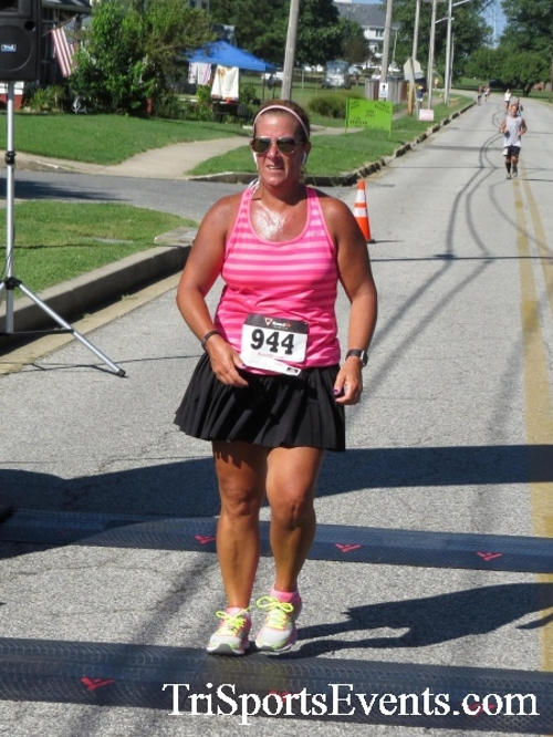 Pirates & Wenches 5K Run/Walk - Rock Hall, MD<br><br><br><br><a href='http://www.trisportsevents.com/pics/16__Pirates_&_Wenches_5K_088.JPG' download='16__Pirates_&_Wenches_5K_088.JPG'>Click here to download.</a><Br><a href='http://www.facebook.com/sharer.php?u=http:%2F%2Fwww.trisportsevents.com%2Fpics%2F16__Pirates_&_Wenches_5K_088.JPG&t=Pirates & Wenches 5K Run/Walk - Rock Hall, MD' target='_blank'><img src='images/fb_share.png' width='100'></a>
