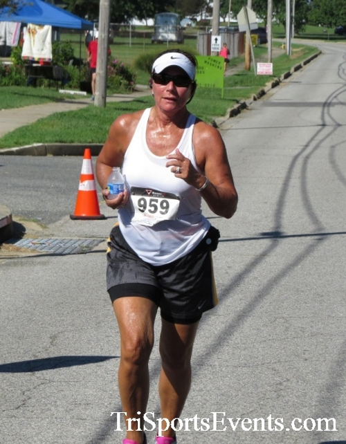 Pirates & Wenches 5K Run/Walk - Rock Hall, MD<br><br><br><br><a href='https://www.trisportsevents.com/pics/16__Pirates_&_Wenches_5K_104.JPG' download='16__Pirates_&_Wenches_5K_104.JPG'>Click here to download.</a><Br><a href='http://www.facebook.com/sharer.php?u=http:%2F%2Fwww.trisportsevents.com%2Fpics%2F16__Pirates_&_Wenches_5K_104.JPG&t=Pirates & Wenches 5K Run/Walk - Rock Hall, MD' target='_blank'><img src='images/fb_share.png' width='100'></a>