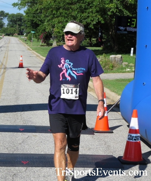 Pirates & Wenches 5K Run/Walk - Rock Hall, MD<br><br><br><br><a href='http://www.trisportsevents.com/pics/16__Pirates_&_Wenches_5K_105.JPG' download='16__Pirates_&_Wenches_5K_105.JPG'>Click here to download.</a><Br><a href='http://www.facebook.com/sharer.php?u=http:%2F%2Fwww.trisportsevents.com%2Fpics%2F16__Pirates_&_Wenches_5K_105.JPG&t=Pirates & Wenches 5K Run/Walk - Rock Hall, MD' target='_blank'><img src='images/fb_share.png' width='100'></a>