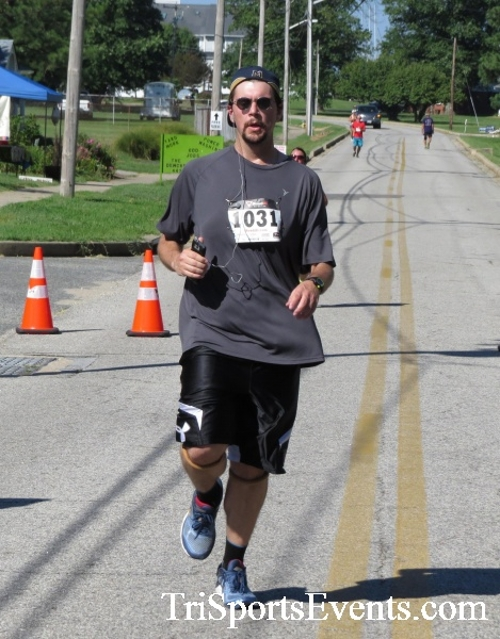 Pirates & Wenches 5K Run/Walk - Rock Hall, MD<br><br><br><br><a href='http://www.trisportsevents.com/pics/16__Pirates_&_Wenches_5K_117.JPG' download='16__Pirates_&_Wenches_5K_117.JPG'>Click here to download.</a><Br><a href='http://www.facebook.com/sharer.php?u=http:%2F%2Fwww.trisportsevents.com%2Fpics%2F16__Pirates_&_Wenches_5K_117.JPG&t=Pirates & Wenches 5K Run/Walk - Rock Hall, MD' target='_blank'><img src='images/fb_share.png' width='100'></a>