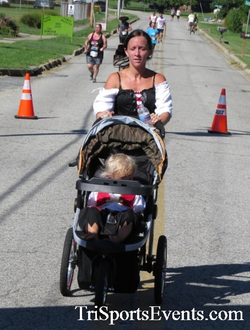 Pirates & Wenches 5K Run/Walk - Rock Hall, MD<br><br><br><br><a href='http://www.trisportsevents.com/pics/16__Pirates_&_Wenches_5K_122.JPG' download='16__Pirates_&_Wenches_5K_122.JPG'>Click here to download.</a><Br><a href='http://www.facebook.com/sharer.php?u=http:%2F%2Fwww.trisportsevents.com%2Fpics%2F16__Pirates_&_Wenches_5K_122.JPG&t=Pirates & Wenches 5K Run/Walk - Rock Hall, MD' target='_blank'><img src='images/fb_share.png' width='100'></a>