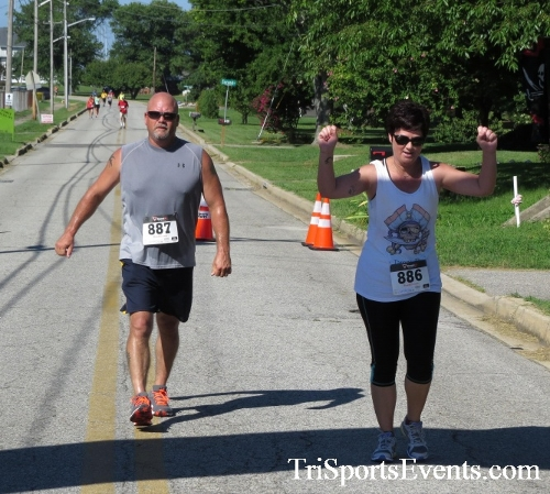 Pirates & Wenches 5K Run/Walk - Rock Hall, MD<br><br><br><br><a href='http://www.trisportsevents.com/pics/16__Pirates_&_Wenches_5K_129.JPG' download='16__Pirates_&_Wenches_5K_129.JPG'>Click here to download.</a><Br><a href='http://www.facebook.com/sharer.php?u=http:%2F%2Fwww.trisportsevents.com%2Fpics%2F16__Pirates_&_Wenches_5K_129.JPG&t=Pirates & Wenches 5K Run/Walk - Rock Hall, MD' target='_blank'><img src='images/fb_share.png' width='100'></a>
