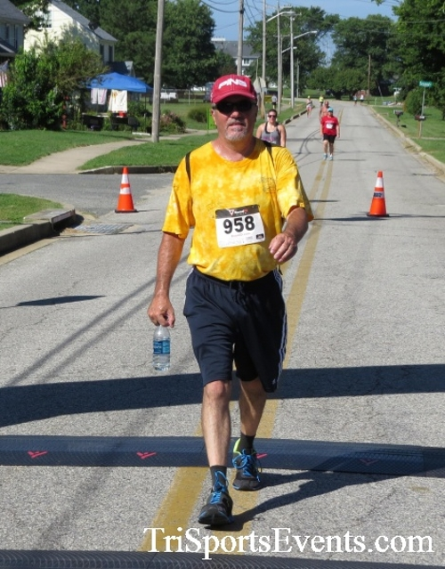 Pirates & Wenches 5K Run/Walk - Rock Hall, MD<br><br><br><br><a href='http://www.trisportsevents.com/pics/16__Pirates_&_Wenches_5K_135.JPG' download='16__Pirates_&_Wenches_5K_135.JPG'>Click here to download.</a><Br><a href='http://www.facebook.com/sharer.php?u=http:%2F%2Fwww.trisportsevents.com%2Fpics%2F16__Pirates_&_Wenches_5K_135.JPG&t=Pirates & Wenches 5K Run/Walk - Rock Hall, MD' target='_blank'><img src='images/fb_share.png' width='100'></a>