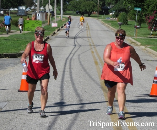 Pirates & Wenches 5K Run/Walk - Rock Hall, MD<br><br><br><br><a href='http://www.trisportsevents.com/pics/16__Pirates_&_Wenches_5K_151.JPG' download='16__Pirates_&_Wenches_5K_151.JPG'>Click here to download.</a><Br><a href='http://www.facebook.com/sharer.php?u=http:%2F%2Fwww.trisportsevents.com%2Fpics%2F16__Pirates_&_Wenches_5K_151.JPG&t=Pirates & Wenches 5K Run/Walk - Rock Hall, MD' target='_blank'><img src='images/fb_share.png' width='100'></a>