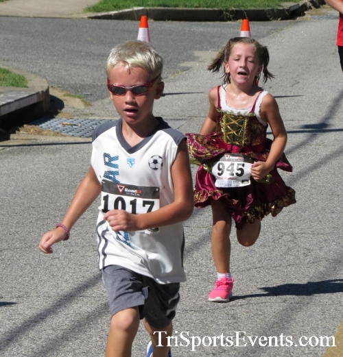 Pirates & Wenches 5K Run/Walk - Rock Hall, MD<br><br><br><br><a href='https://www.trisportsevents.com/pics/16__Pirates_&_Wenches_5K_155.JPG' download='16__Pirates_&_Wenches_5K_155.JPG'>Click here to download.</a><Br><a href='http://www.facebook.com/sharer.php?u=http:%2F%2Fwww.trisportsevents.com%2Fpics%2F16__Pirates_&_Wenches_5K_155.JPG&t=Pirates & Wenches 5K Run/Walk - Rock Hall, MD' target='_blank'><img src='images/fb_share.png' width='100'></a>