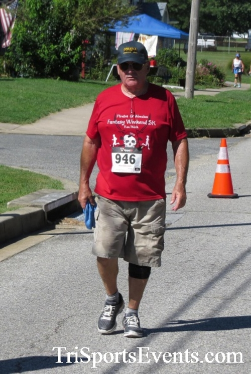 Pirates & Wenches 5K Run/Walk - Rock Hall, MD<br><br><br><br><a href='http://www.trisportsevents.com/pics/16__Pirates_&_Wenches_5K_157.JPG' download='16__Pirates_&_Wenches_5K_157.JPG'>Click here to download.</a><Br><a href='http://www.facebook.com/sharer.php?u=http:%2F%2Fwww.trisportsevents.com%2Fpics%2F16__Pirates_&_Wenches_5K_157.JPG&t=Pirates & Wenches 5K Run/Walk - Rock Hall, MD' target='_blank'><img src='images/fb_share.png' width='100'></a>
