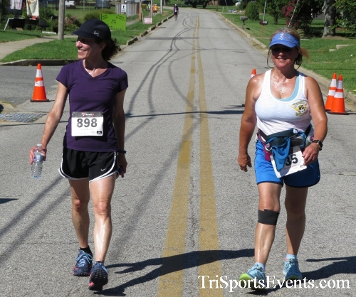 Pirates & Wenches 5K Run/Walk - Rock Hall, MD<br><br><br><br><a href='https://www.trisportsevents.com/pics/16__Pirates_&_Wenches_5K_158.JPG' download='16__Pirates_&_Wenches_5K_158.JPG'>Click here to download.</a><Br><a href='http://www.facebook.com/sharer.php?u=http:%2F%2Fwww.trisportsevents.com%2Fpics%2F16__Pirates_&_Wenches_5K_158.JPG&t=Pirates & Wenches 5K Run/Walk - Rock Hall, MD' target='_blank'><img src='images/fb_share.png' width='100'></a>