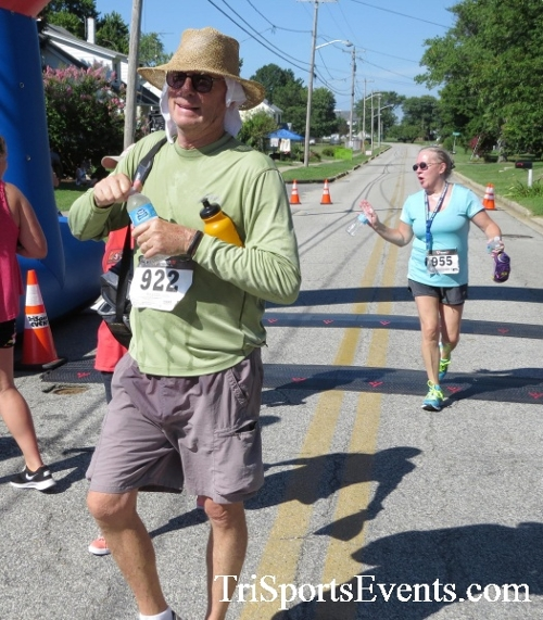 Pirates & Wenches 5K Run/Walk - Rock Hall, MD<br><br><br><br><a href='http://www.trisportsevents.com/pics/16__Pirates_&_Wenches_5K_160.JPG' download='16__Pirates_&_Wenches_5K_160.JPG'>Click here to download.</a><Br><a href='http://www.facebook.com/sharer.php?u=http:%2F%2Fwww.trisportsevents.com%2Fpics%2F16__Pirates_&_Wenches_5K_160.JPG&t=Pirates & Wenches 5K Run/Walk - Rock Hall, MD' target='_blank'><img src='images/fb_share.png' width='100'></a>