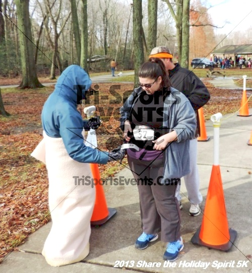 Share the Holiday Spirit 5K<br><br><br><br><a href='http://www.trisportsevents.com/pics/173.JPG' download='173.JPG'>Click here to download.</a><Br><a href='http://www.facebook.com/sharer.php?u=http:%2F%2Fwww.trisportsevents.com%2Fpics%2F173.JPG&t=Share the Holiday Spirit 5K' target='_blank'><img src='images/fb_share.png' width='100'></a>