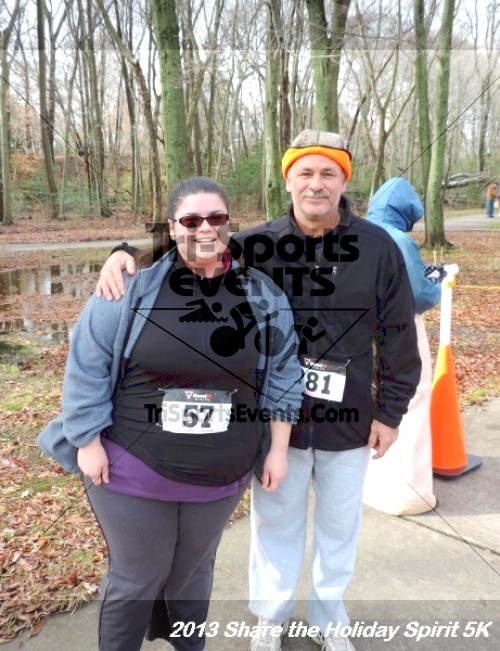 Share the Holiday Spirit 5K<br><br><br><br><a href='http://www.trisportsevents.com/pics/174.JPG' download='174.JPG'>Click here to download.</a><Br><a href='http://www.facebook.com/sharer.php?u=http:%2F%2Fwww.trisportsevents.com%2Fpics%2F174.JPG&t=Share the Holiday Spirit 5K' target='_blank'><img src='images/fb_share.png' width='100'></a>