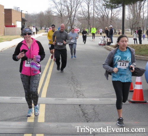 Chocolate 5K Run/Walk<br><br><br><br><a href='http://www.trisportsevents.com/pics/17_Chocolate_5K_286.JPG' download='17_Chocolate_5K_286.JPG'>Click here to download.</a><Br><a href='http://www.facebook.com/sharer.php?u=http:%2F%2Fwww.trisportsevents.com%2Fpics%2F17_Chocolate_5K_286.JPG&t=Chocolate 5K Run/Walk' target='_blank'><img src='images/fb_share.png' width='100'></a>
