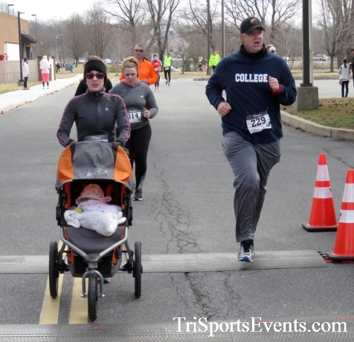 Chocolate 5K Run/Walk<br><br><br><br><a href='http://www.trisportsevents.com/pics/17_Chocolate_5K_319.JPG' download='17_Chocolate_5K_319.JPG'>Click here to download.</a><Br><a href='http://www.facebook.com/sharer.php?u=http:%2F%2Fwww.trisportsevents.com%2Fpics%2F17_Chocolate_5K_319.JPG&t=Chocolate 5K Run/Walk' target='_blank'><img src='images/fb_share.png' width='100'></a>