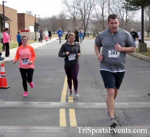 Chocolate 5K Run/Walk<br><br><br><br><a href='http://www.trisportsevents.com/pics/17_Chocolate_5K_330.JPG' download='17_Chocolate_5K_330.JPG'>Click here to download.</a><Br><a href='http://www.facebook.com/sharer.php?u=http:%2F%2Fwww.trisportsevents.com%2Fpics%2F17_Chocolate_5K_330.JPG&t=Chocolate 5K Run/Walk' target='_blank'><img src='images/fb_share.png' width='100'></a>