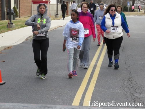 Chocolate 5K Run/Walk<br><br><br><br><a href='http://www.trisportsevents.com/pics/17_Chocolate_5K_489.JPG' download='17_Chocolate_5K_489.JPG'>Click here to download.</a><Br><a href='http://www.facebook.com/sharer.php?u=http:%2F%2Fwww.trisportsevents.com%2Fpics%2F17_Chocolate_5K_489.JPG&t=Chocolate 5K Run/Walk' target='_blank'><img src='images/fb_share.png' width='100'></a>